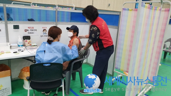 전국 자원봉사센터, 코로나19 백신 예방 접종 현장 지원